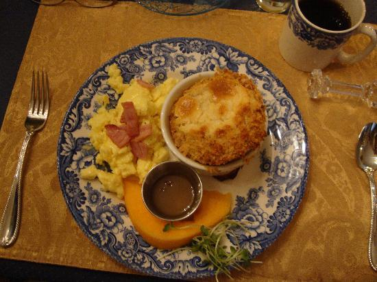 Central Park Bed and Breakfast: Savory 2nd dish of breakfast.  YUM!