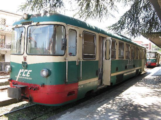 b880b35355833 Vagone Circumetnea - Picture of Circumetnea Railway, Taormina ...