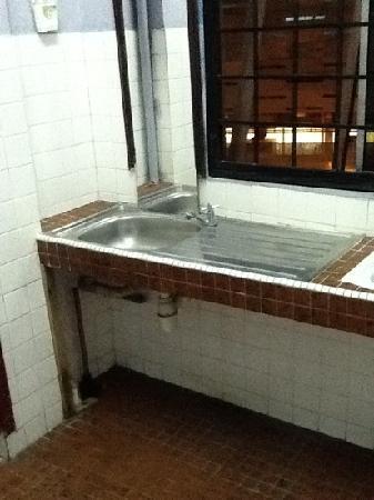 Step Inn Guest House: bathroom first floor
