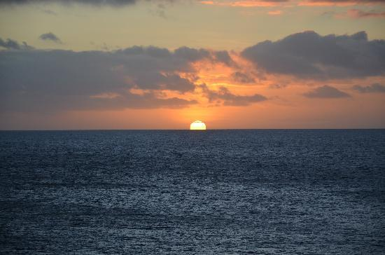 Royal Davui Island Resort, Fiji: sunset from room
