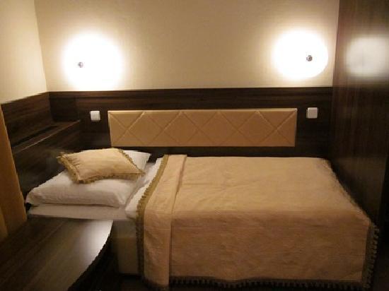 Hotel Arcus: ベッド