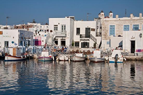 Hotel Manos: Hafen von Naoussa Paros