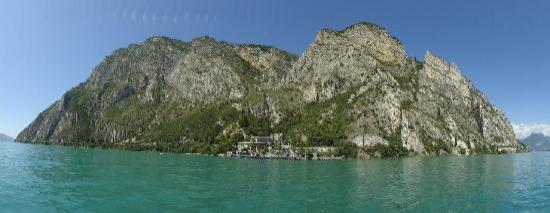 Hotel Pier : Hotel from the middle of lake garda