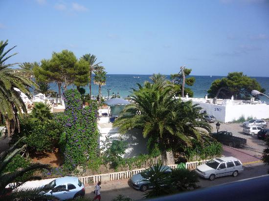 Apartamentos Ros : Balcony view