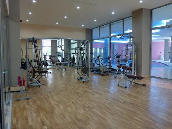 Atrium Platinum Hotel: Fitness