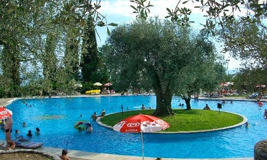 Hotel Marco Polo: The pool area - shared with holiday village next to Marco Polo