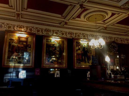 Cafe Royal Oyster Bar: bar area