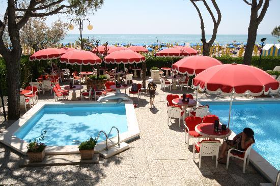 Terrazza Piscina Picture Of Termini Beach Hotel Suites