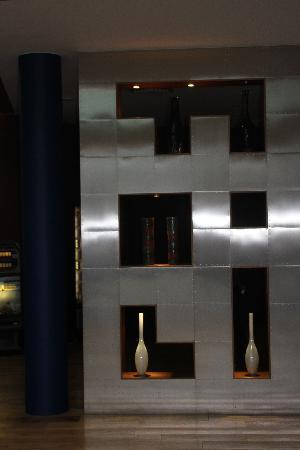 le hall d\'entree tres design - Picture of Absolute Hotel, Limerick ...