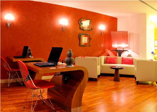 Luthan Hotel & Spa: Internet Cafe