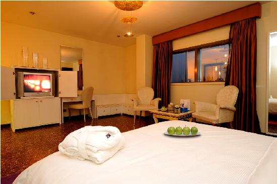 Luthan Hotel & Spa: Suite Bedroom