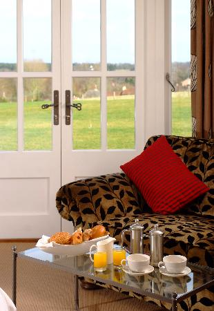 The Crown, Stoke By Nayland: Relax and enjoy the views
