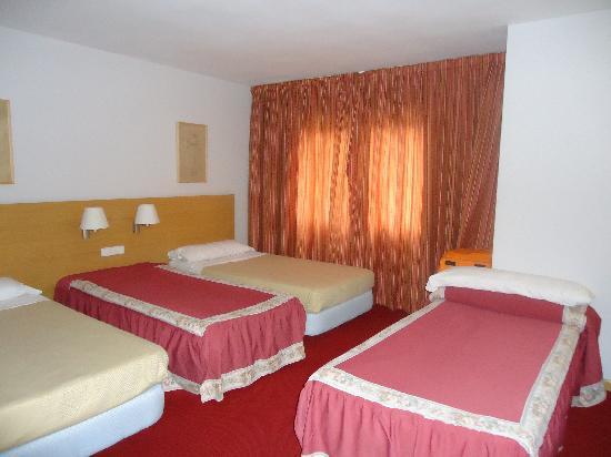 Hotel Beleret: habitacion triple