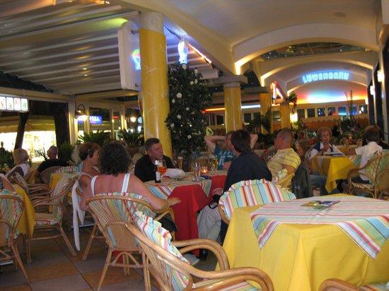 Hotel Ettoral: Terrasse