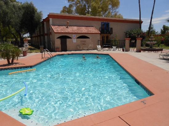 BEST WESTERN Phoenix Goodyear Inn: the pool