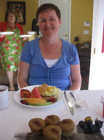 Off Our Rockies Bed and Breakfast: The picture says it all. breakfast is served