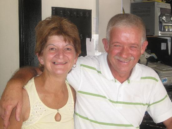 Apartamentos Los Molinos: Super Couple Dave and Diane