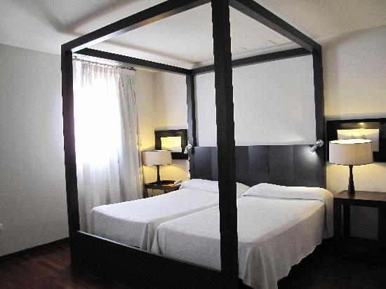 Hotel Banys Orientals: Notre chambre