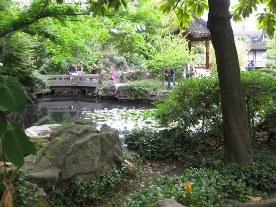 Cycle City Tours and Bike Rentals: One of the stops at the Chinese Garden