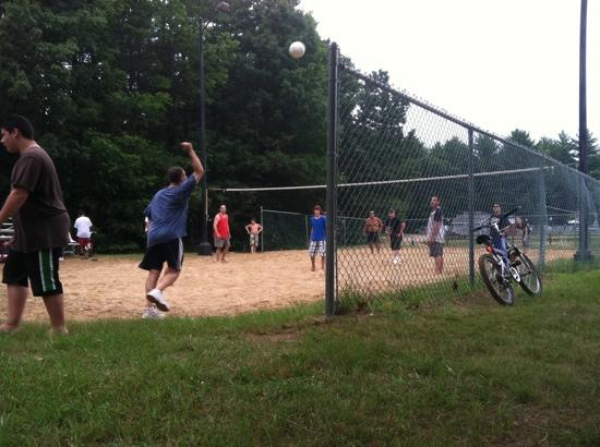 Flat Rock Bridge Family Camping : volleyball
