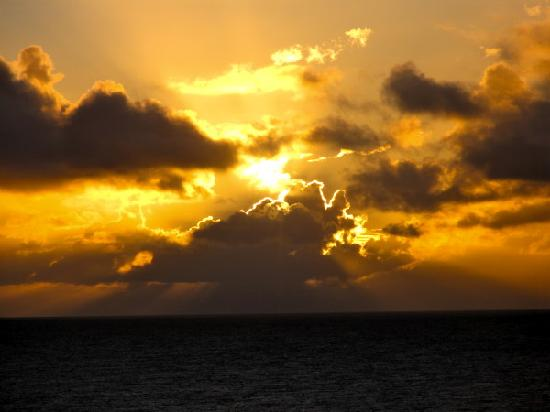 Marc at Princeville Pali Ke Kua : amazing  sunset