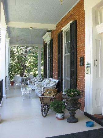 Brampton Bed and Breakfast Inn: Side view of the front porch