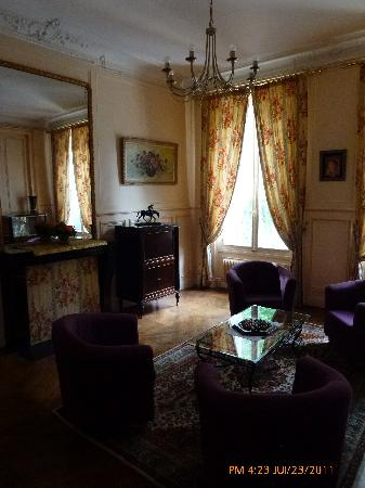 Castel Albertine : SALON COMMUN