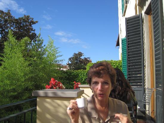 Hotel Caravaggio: Little balcony - breakfast