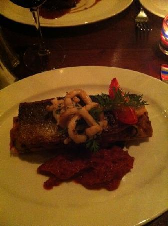 La Ratatouille: filet de loup de mer poele