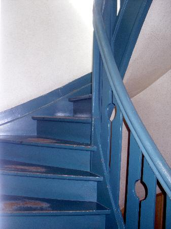 The Pipers Bed & Breakfast: Stairs to second floor