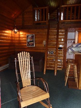 Baker Creek Mountain Resort: I loved this rocking chair!