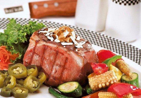 The Bull Run Restaurant: Jelapino Filet