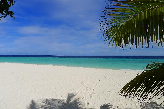 Robinson Club Maldives: the beach