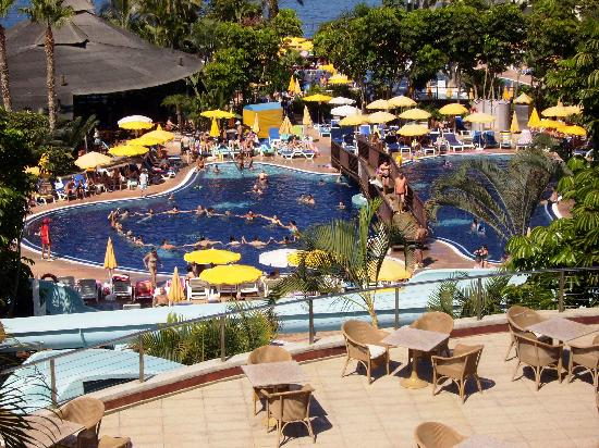 Be Live Experience Playa La Arena: Swimming pools area with activities