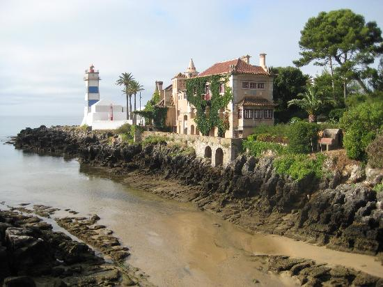 Vila Gale Cascais: Low tide when we came back in the afternoon.