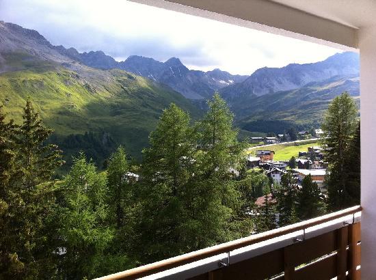 Tschuggen Grand Hotel: Aussicht vom Balkon