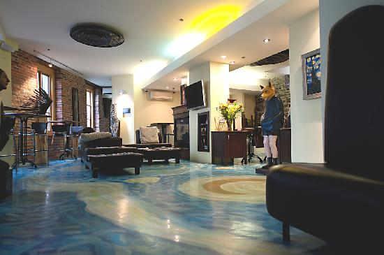 Hotel Le Vincent: Lobby View 1