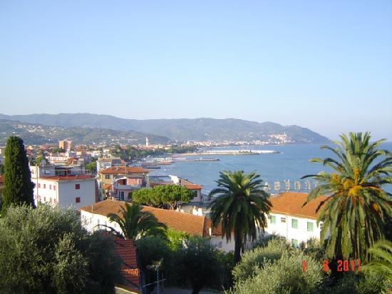 Piccolo Hotel: panorama visto dal balcone dell'hotel piccolo