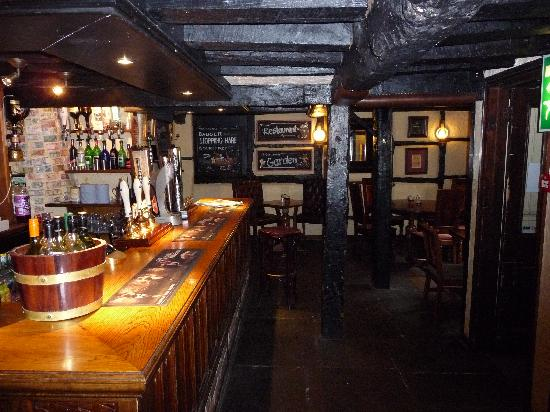 The New Inn and Old House: inside the pub