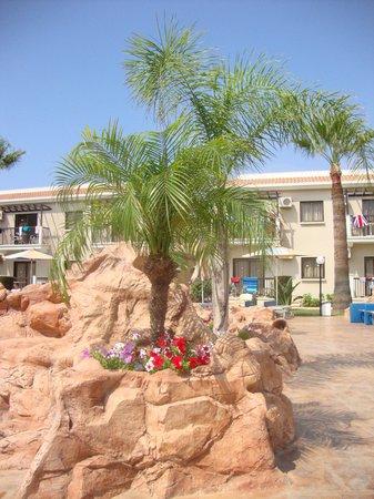 Loutsiana Hotel Apts: lovely pool