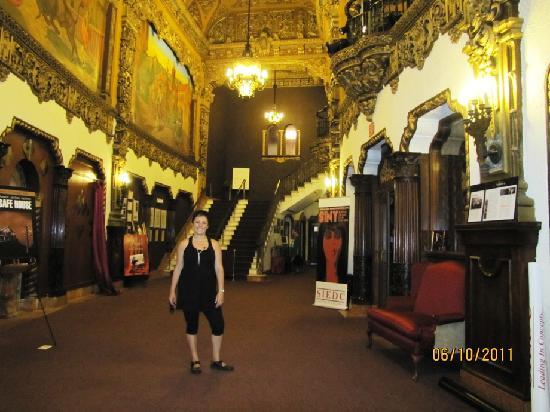 St. George Theatre: Un lujo