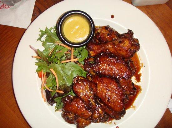 Kona Cafe : Sticky Wings