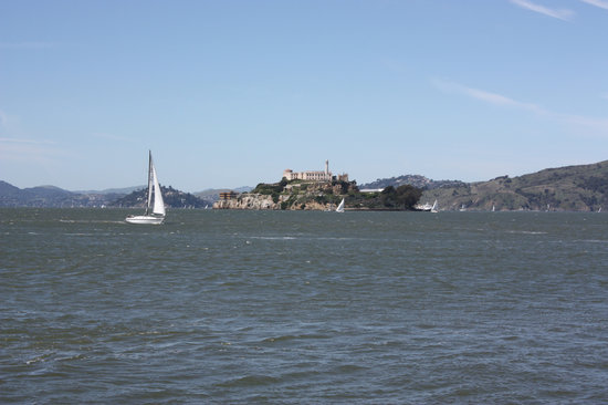 Pier 39 : Great view of Alcatraz from end of pier
