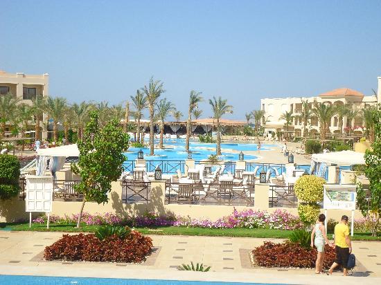 Jaz Aquamarine Resort: Vanaf het restaurant