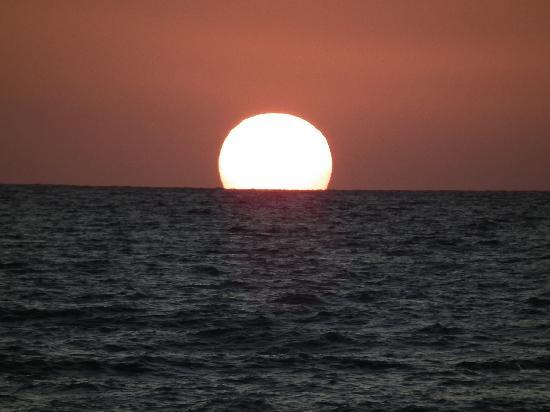 Restia Suites Exclusive Resort : Beautiful sunset