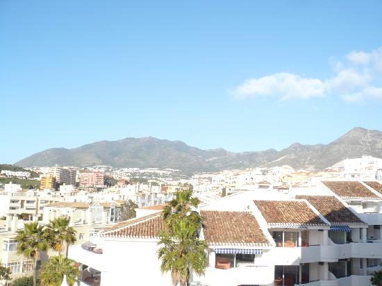 Las Arenas Hotel: Mountain veiw (looking right from balcony)