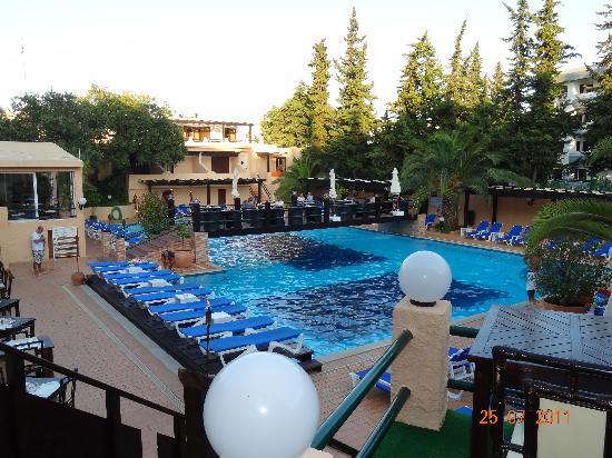 Balaia Mar Hotel: Pool view