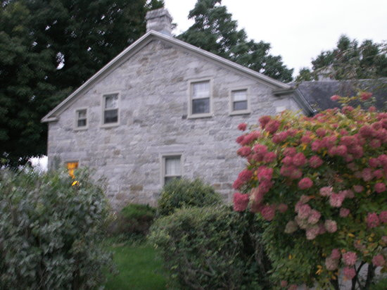 Ransom Bay Inn Bed & Breakfast: Lovely Stone Inn