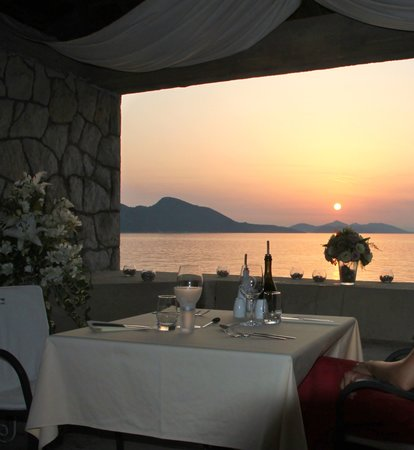 Villa Ruza Old City Bistro: Corner Table with the sunset view