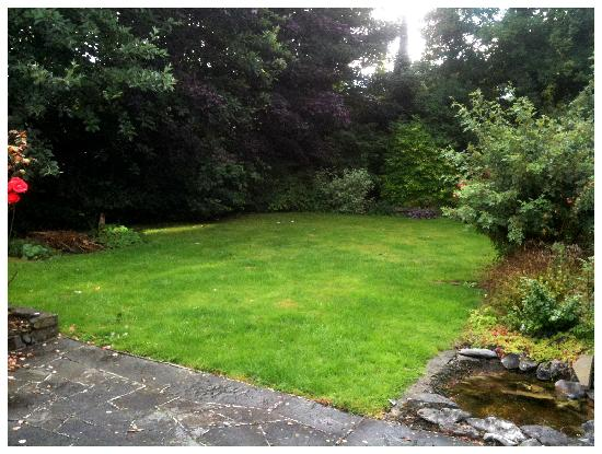 Shanlin House B+B: Back Garden